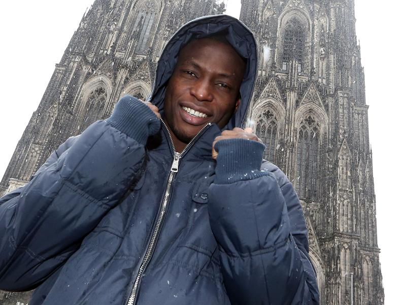 "Anthony ""Tony Doppelpack"" Ujah vor Kölner Dom"