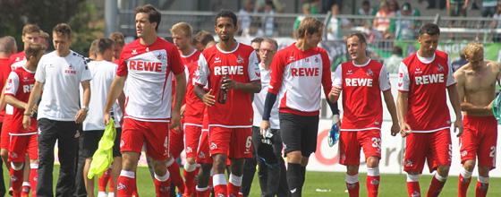Mannschaft des 1.FC Köln nach dem Spiel gegen SpVgg
