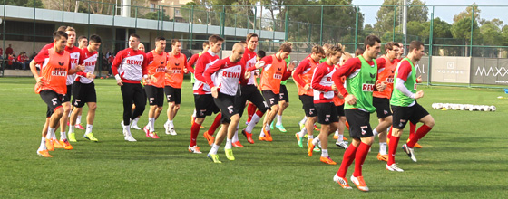 Mannschaft des 1.FC Köln beim Training im Trainingslager 2014 in Belek