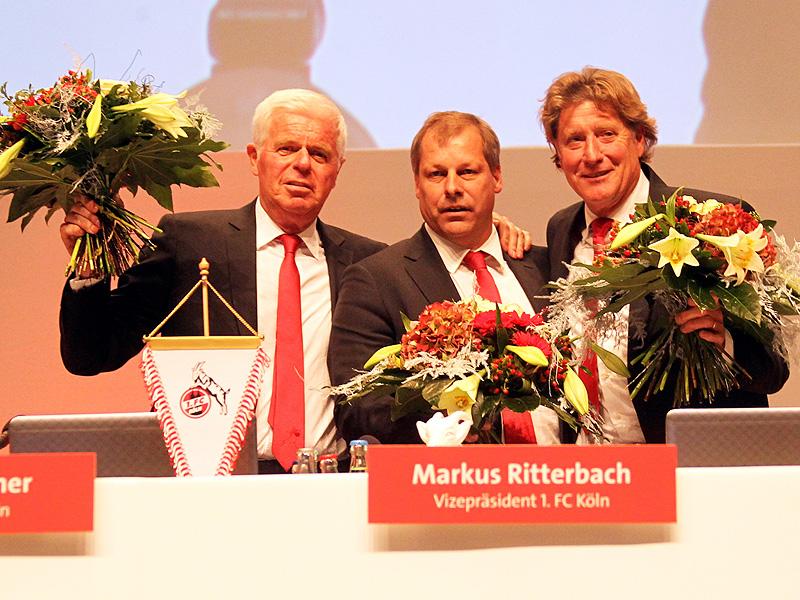 """Werner Spinner, Markus Ritterbach und Harald """"Toni"""" Schumacher auf der Jahreshauptversammlung des 1.FC Köln 2013"""