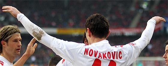 "Milivoje ""Nova"" Novakovic im Trikot des 1.FC Köln"