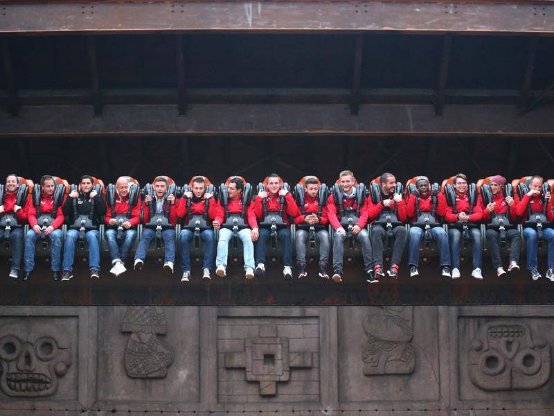Mannschaft des 1.FC Köln auf Talocan im Phantasialand