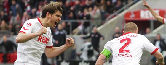 Patrick Helmes und Miso Brecko bejubeln Tor beim Heimspiel des 1. FC Köln gegen den Karlsruher SC