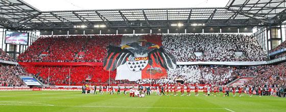 Choreografie der Südkurve des 1. FC Köln beim Heimspiel gegen Borrussia Mönchengaldbach in der Bundesliga 2014