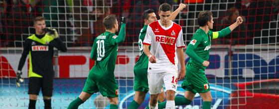 Jonas Hector lässt nach dem Augsburger Siegtreffer (1:2) den Kopf hängen