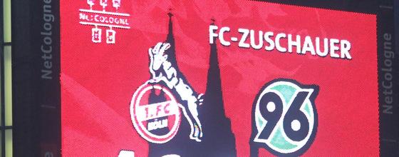 Anzeigetafel Beim Heimspiel 1. FC Köln - Hannover 96