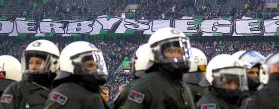 """Transparent """"Derbysieger"""" beim Derby Borussia Mönchengladbach - 1. FC Köln (2015)"""