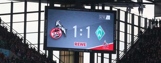 Anzeigetafel beim Spiel 1. FC Köln gegen Werder Bremen