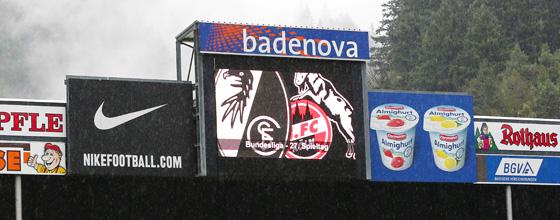 Anzeigetafel SC Freiburg gegen den 1. FC KÖLN Bundesliga Saison 2014/15