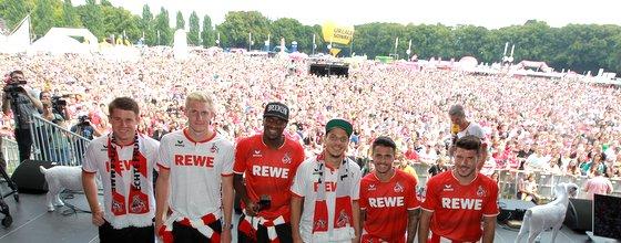 Der 1. FC Köln präsentiert bei der Saisoneröffnung die Neuzugänge Dominique Heintz, Frederik Sörensen, Anthony Modeste, Philpp Hosiner, Leonardo Bittencourt, Milos Jojic