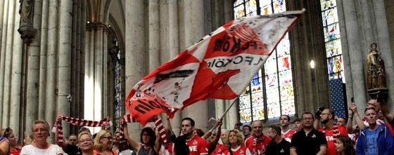 Die Hymne des 1. FC Köln intoniert auf der Orgel im Kölner Dom