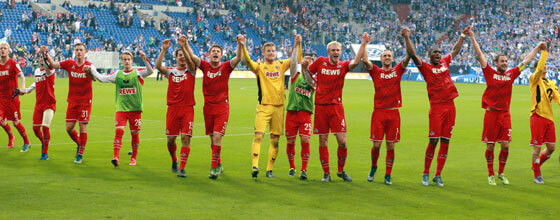 Mannschaft des 1. FC Köln bejubel 3:0 Sieg auf Schalke Bundesliga Saison 2015/2016