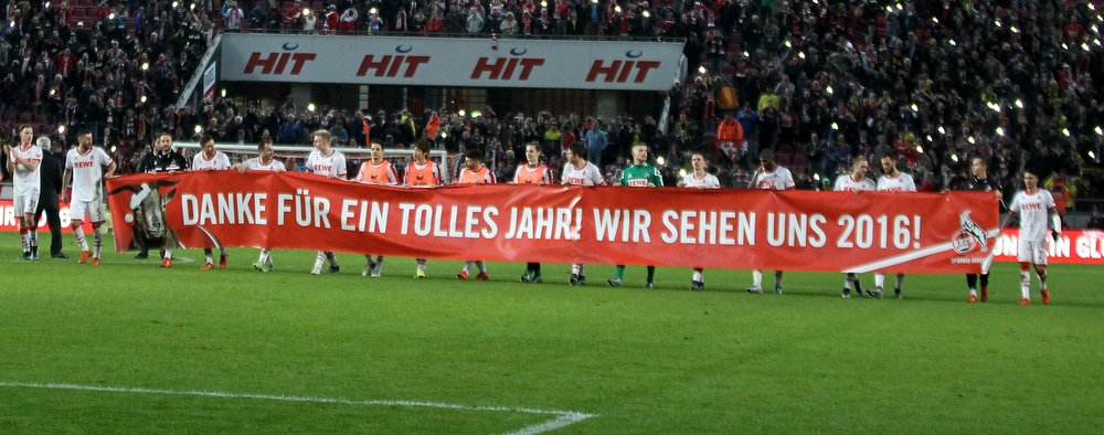 1. FC Köln - Mannschaft sagt Danke mit Plakat
