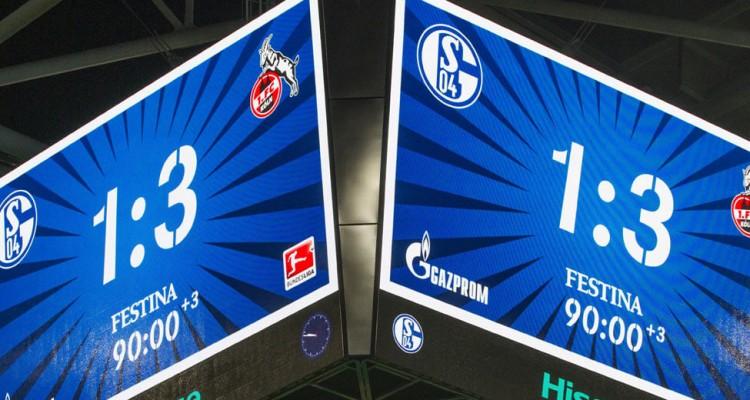 Anzeigetafel Schalke 04 - 1. FC Köln 1:3
