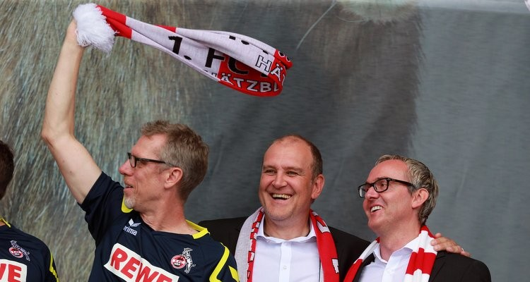 1.FC KölnSaisoneröffnungvon links: Peter Stöger, Jörg Schmadtke, Alexander Wehrle09.08.2015Herbert Bucco
