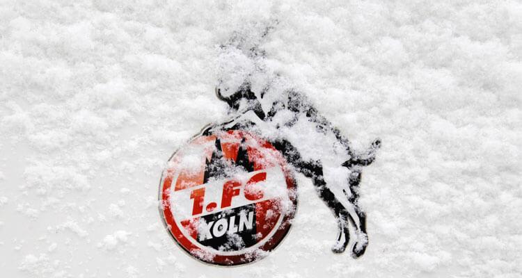verschneites Logo 1. FC Köln