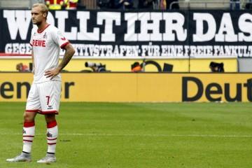 Fanprotest beim Derby zwischen dem 1. FC Köln und Borussia Mönchengladbach