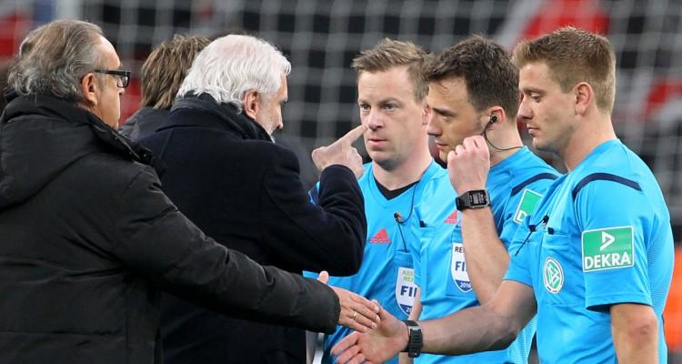 Bayer 04 Leverkusen vs. Borussia Dortmund Schiedsrichter Felix Zwayer