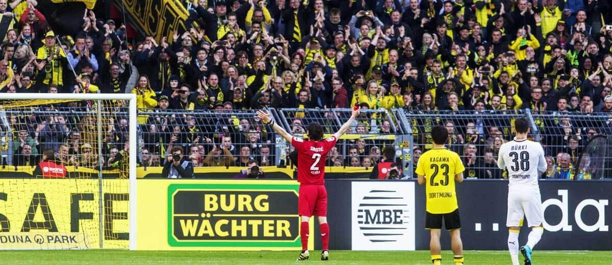 Neven Subotic wird von der Dortmunder Süd gefeiert