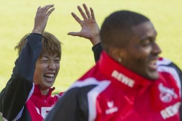 Yuya Osako und Anthony Modeste freuen sich