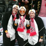 Peter Stöger mit Frau und Bruder beim Rosenmontagszug