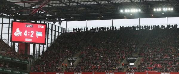 1. FC Köln gegen Hertha BSC Berlin - Anzeigetafel