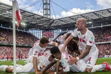 Torjubel bei 1. FC Köln - Mainz 05 1:0 (1:0)1. Fussball Bundesliga Saison 2016 2017 RheinEnergie Stadion Koeln